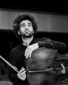 Josep Trescolí, cello © Grup Mixtour